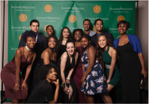 Hannah Mesouani (center) with a group of students at the 2018 Unity Gala.  Photo: Illinois Wesleyan University