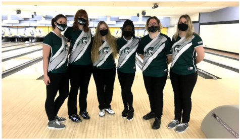 The IWU Women's Bowling Team from left to right: Sarah Buchmann ('22), Ashley Cook ('22), Macy Michorczyk ('24), Jade Miller ('22), Shea Atkins ('23), Alivia Catey ('23). Photo Credit: Sarah Buchmann
